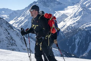 Tobias Mews ski touring in Everest in the Alps